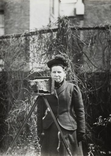 Museum of London revealed the first press female photographer's images.